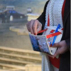 Porte-monnaie intégré - Faites (vous ) plaisir en offrant ce petit sac insolite - Fabriqué par du personnel en situation de hand