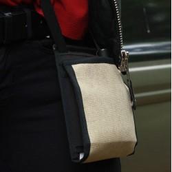 Le Ti Sac Doré, un petit sac à l'effet brillance, idéal comme pochette de soirée - Style minimal chic et discret malgré tout