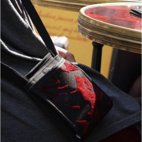 Un petit sac au design unique fait pour les modeuses invétérées. Un micro-sac d'une finesse incroyable ~ Fabriquée en France