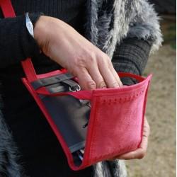 Le Ti Sac, un micro-sac pour tout avoir à portée de mains, ici le modèle Terres d'Anjou Brissac