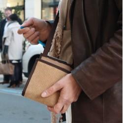 Design unique - Un sac à main ultra plat et léger - L'essentiel à portée de main - Sac bandoulière toujours plat même bien rempl