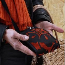 Le Ti Sac, un petit sac ultra pratique pour un quotidien facile, ici le modèle Velours Orange