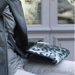 Poche arrière pour glisser votre smart-phone - Cadeau original - Indispensable - Fabriqué en Anjou - Une création brevetée