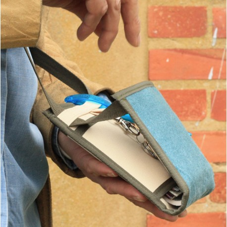 Surprenant - Système de fermeture breveté - Un petit sac aux compartiments bien pensés - Un sac insolite fabriqué en France