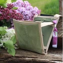 Ce sac bandoulière femme, breveté, léger au style minimaliste, est une petite sacoche femme très fonctionnelle pleine de malices