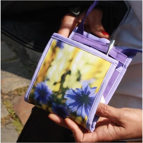 Faites plaisir ou faites-vous plaisir en offrant ce petit sac, fabriqué en France par des personnes handicapées